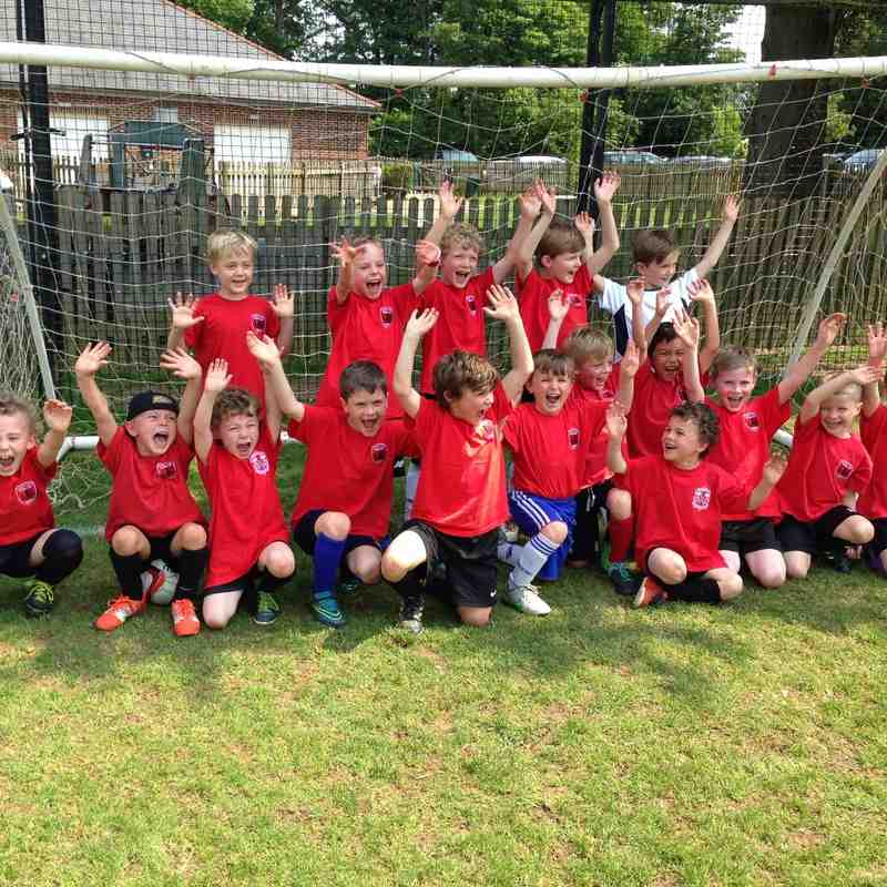 Langton Green Fiesta Sunday 5th June 2016 (The 2016/2017 season U7 Enjoying there first Tournament)
