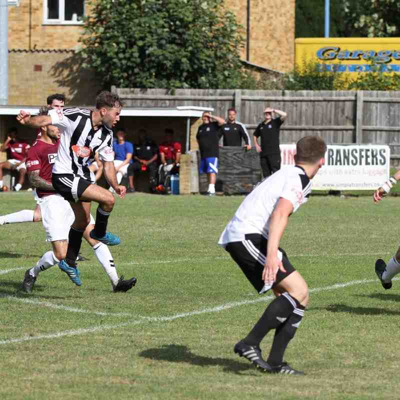 Potters Bar v Hanwell Town