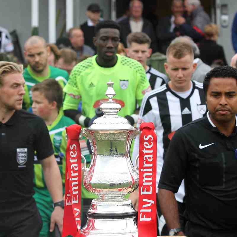 Hanwell Town v Thamesmead Town FA Cup