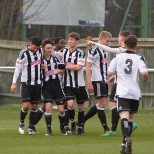 Hanwell Town 2 Hartley Wintney 4