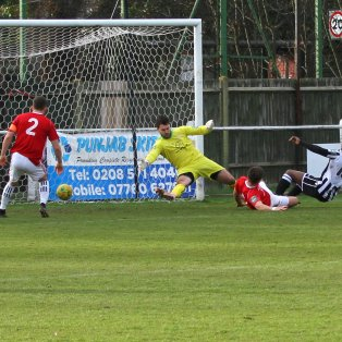 Hanwell Town 2 Bracknell Town 1