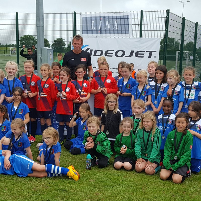 Sawston Girls U8 Presented with medals by Stuart Pearce !