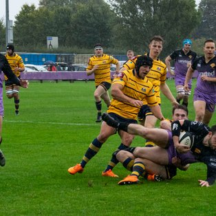 Clifton raid worthing for five point victory