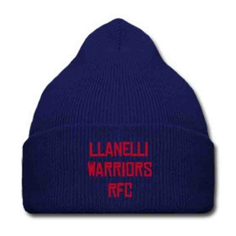 hat (red or blue)