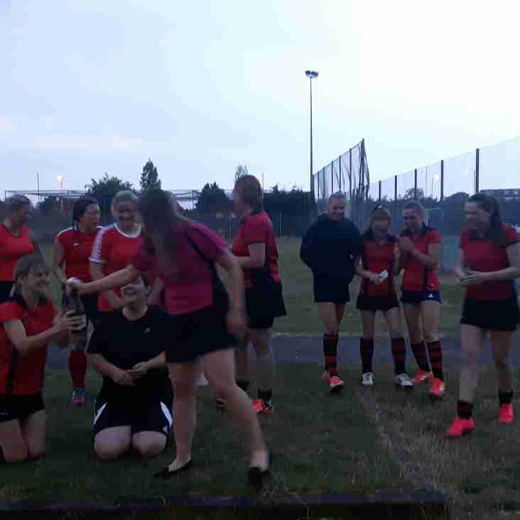 Ashford Armadillos win the Ladies summer B League final