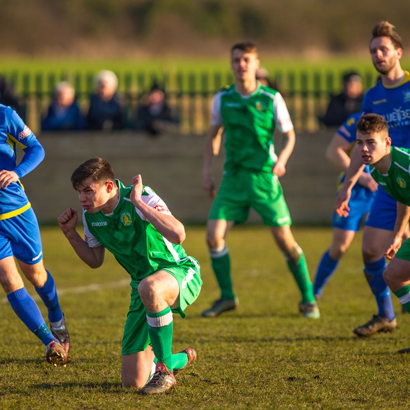 Mitres unable to hold off Salisbury