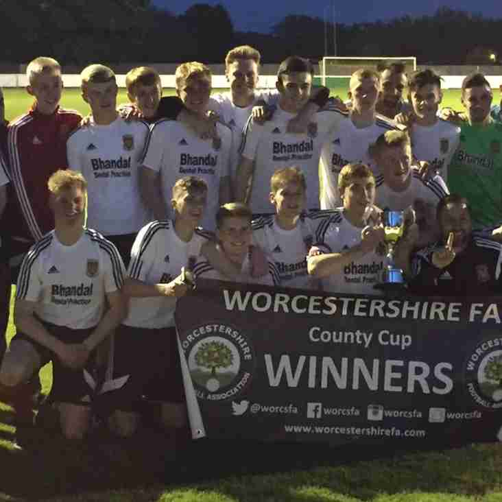 Glassboys Retain Worcs Youth Cup