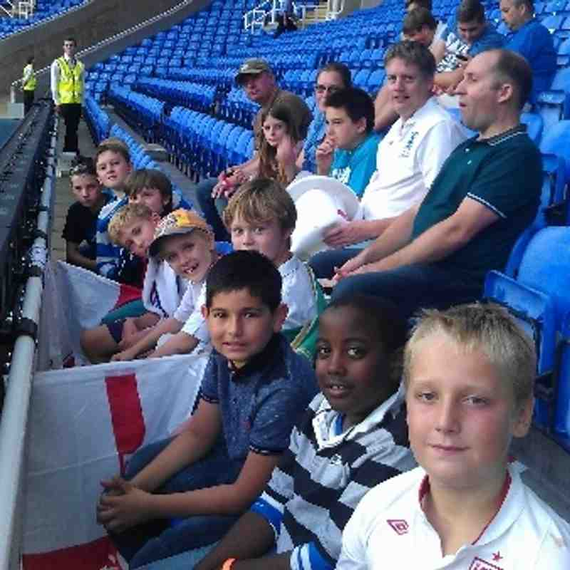 Oxford City Blues u'10's cheer on England u21's v Moldova