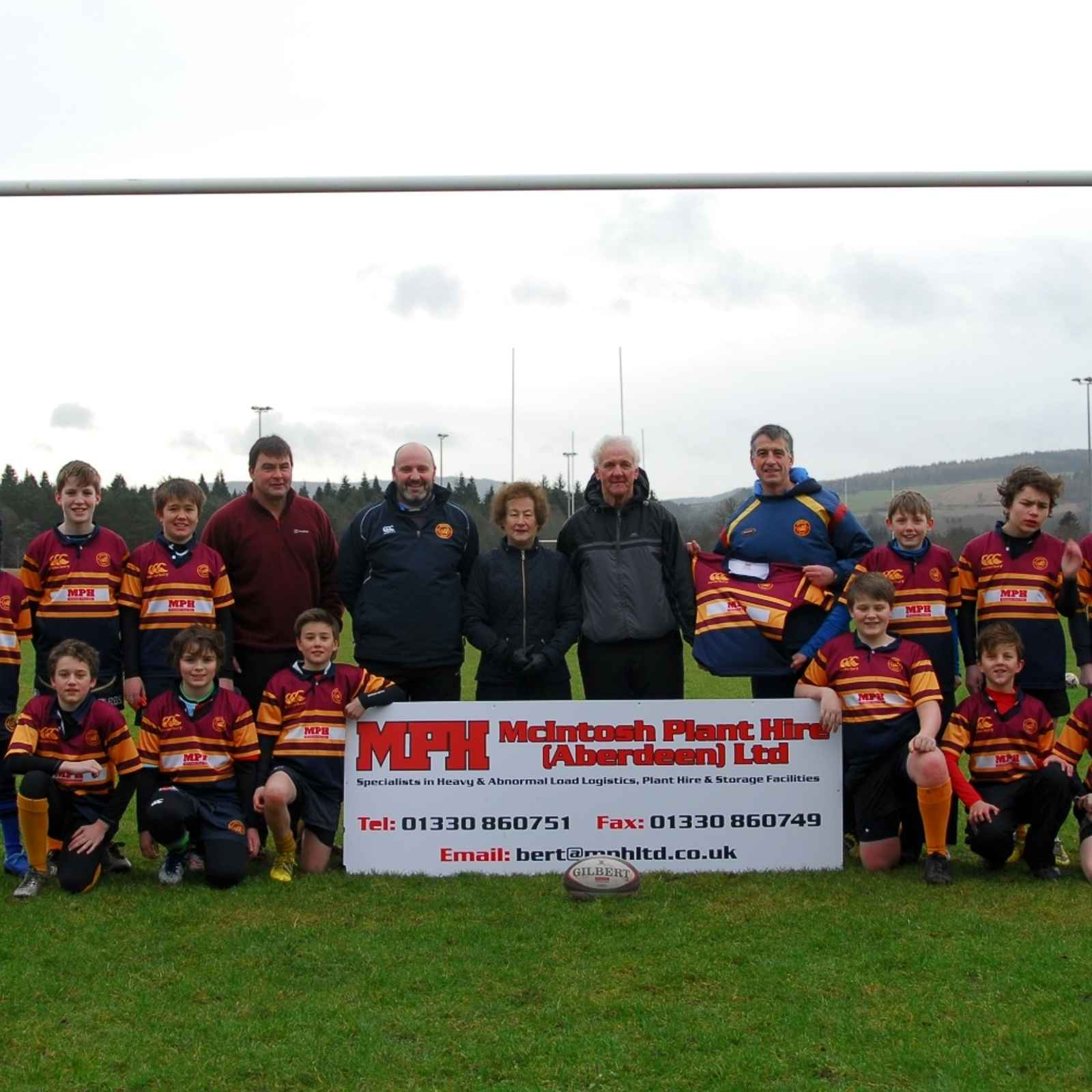 McIntosh Plant Hire donate new strips to S1/U13 team