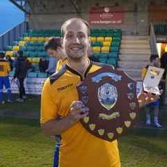 Chwaraewr cyfarwydd yn ol ar Ffordd Padarn/Familiar player back at Padarn Road.