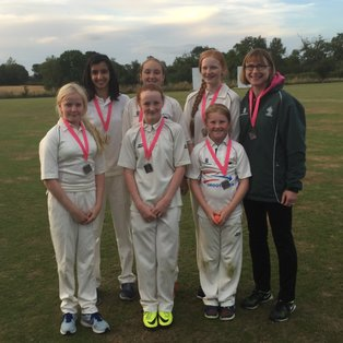 Chenies U13 Girls pick up Silver in County Tournament!