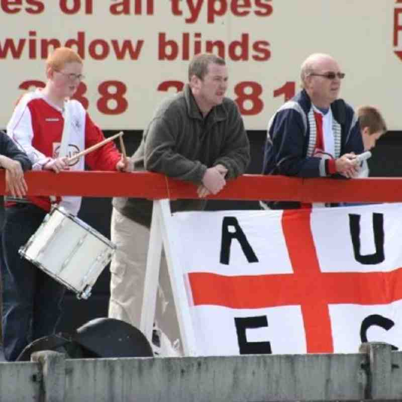 Ashton United Escape Relegation by beating Fleetwood April 2007