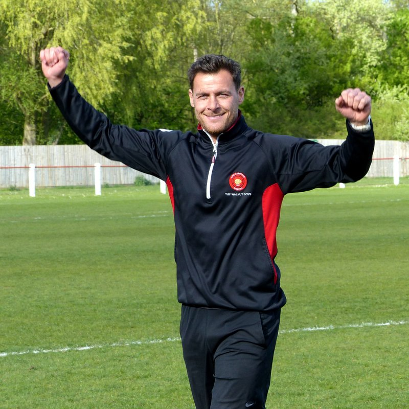 Dykes Leaves Rovers