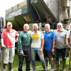 Friday Club concrete team(with some help from Coppards)13Aug18