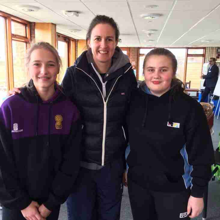 Molly & Tessie to play against the MCC