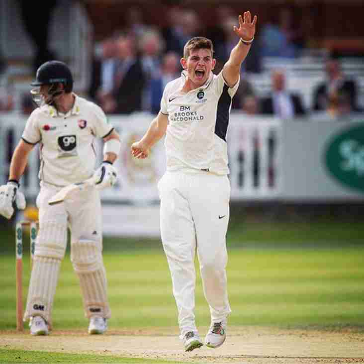Midd's Bamber signs contract extension with Middlesex Cricket
