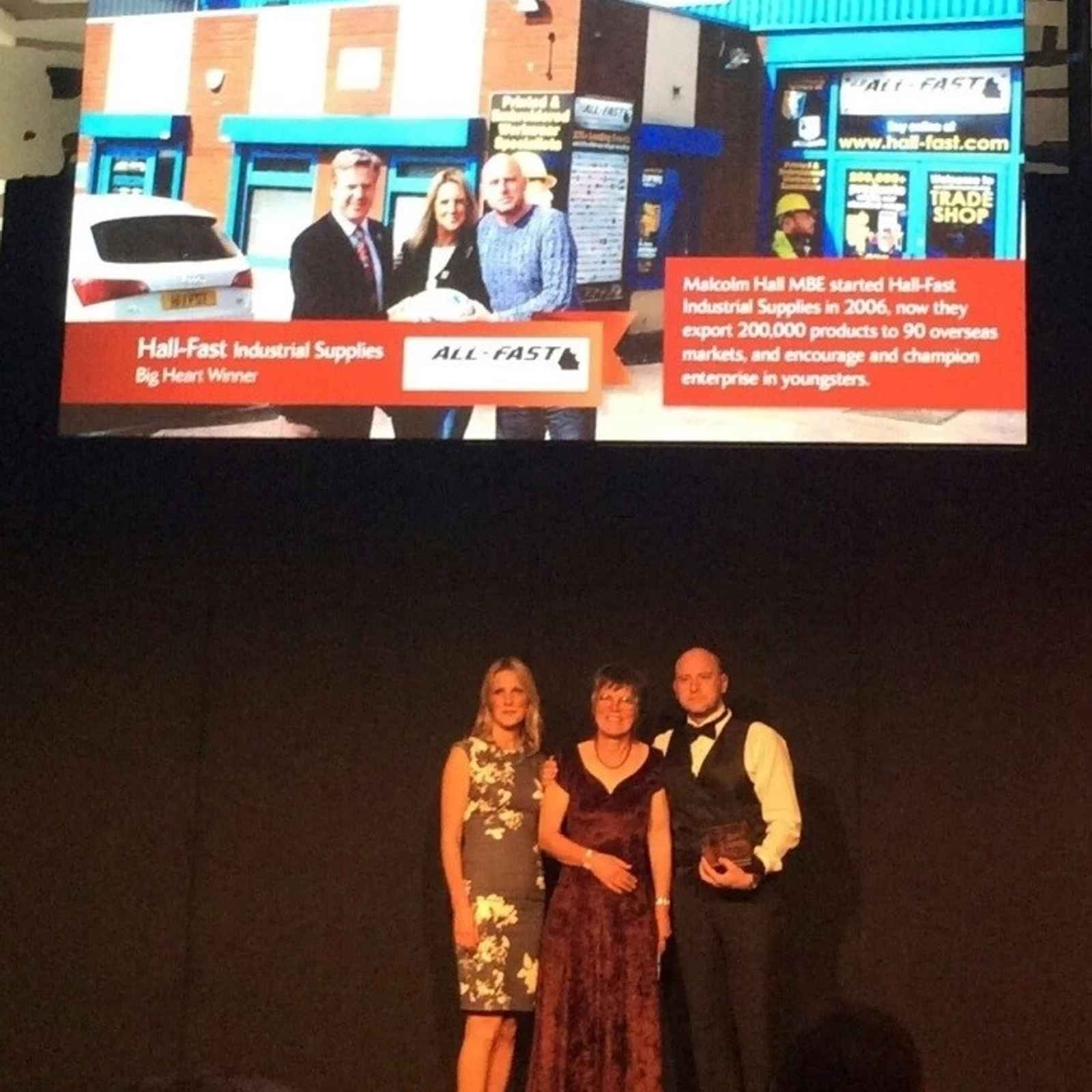 Paviors Sponsor Hall-Fast came away from Wembley as winners at the National Family Business Place Red Ribbons awards.