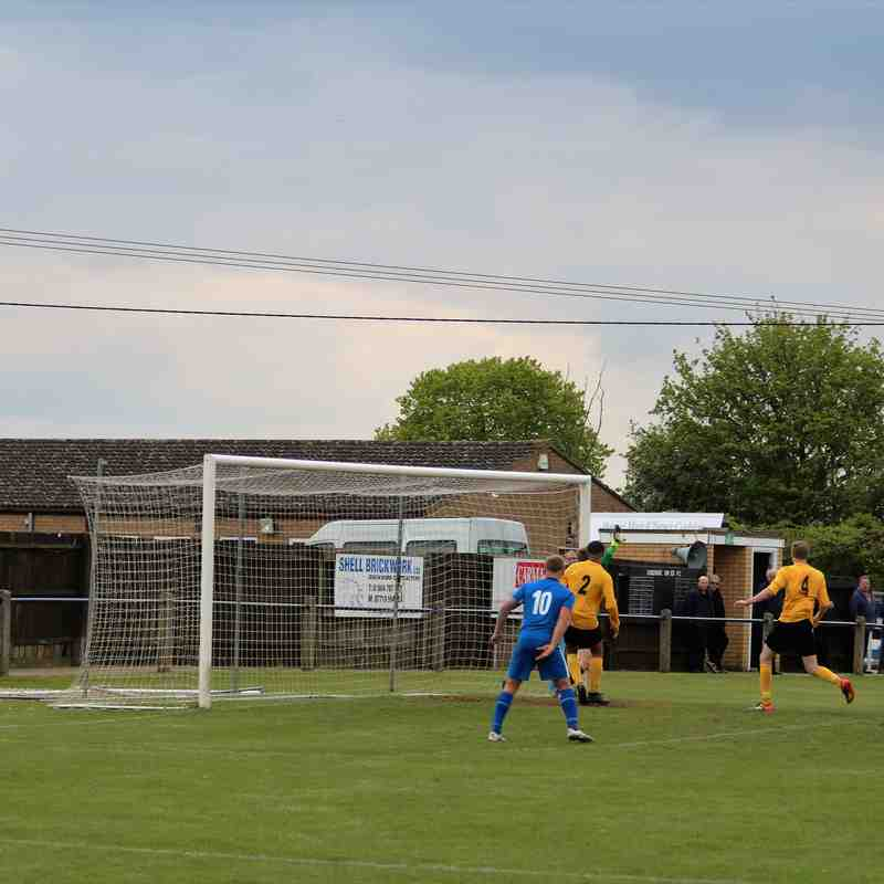 Cooks 2 Harborough T 1