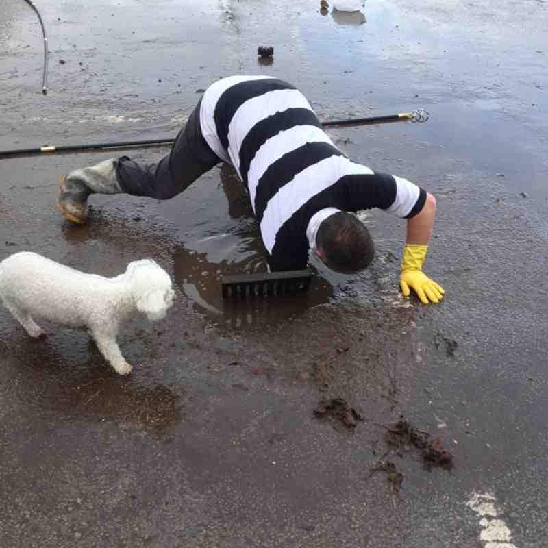 Gerald drops 20p down a drain.