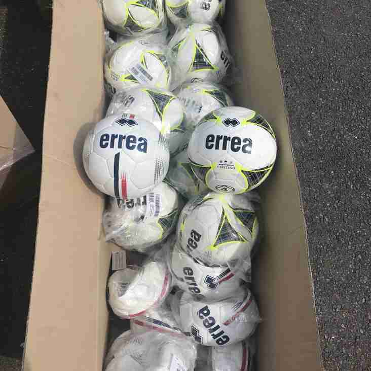 Lingard Makes Matchball Donation!
