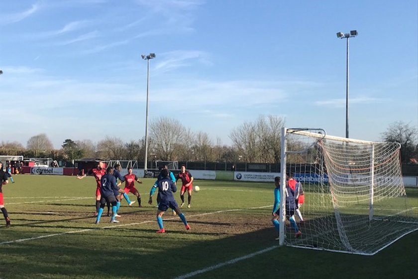 Cobham hang on for 3-2 win
