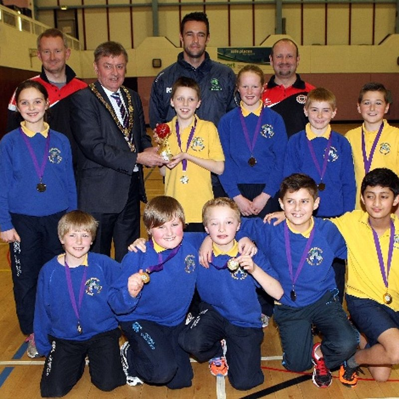 Nigel Jones congratulates Templepatrick Cricket Club on success of first Primary School indoor tournament