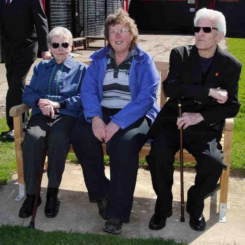 Memorial Bench Alan Cotton & Jim Adams