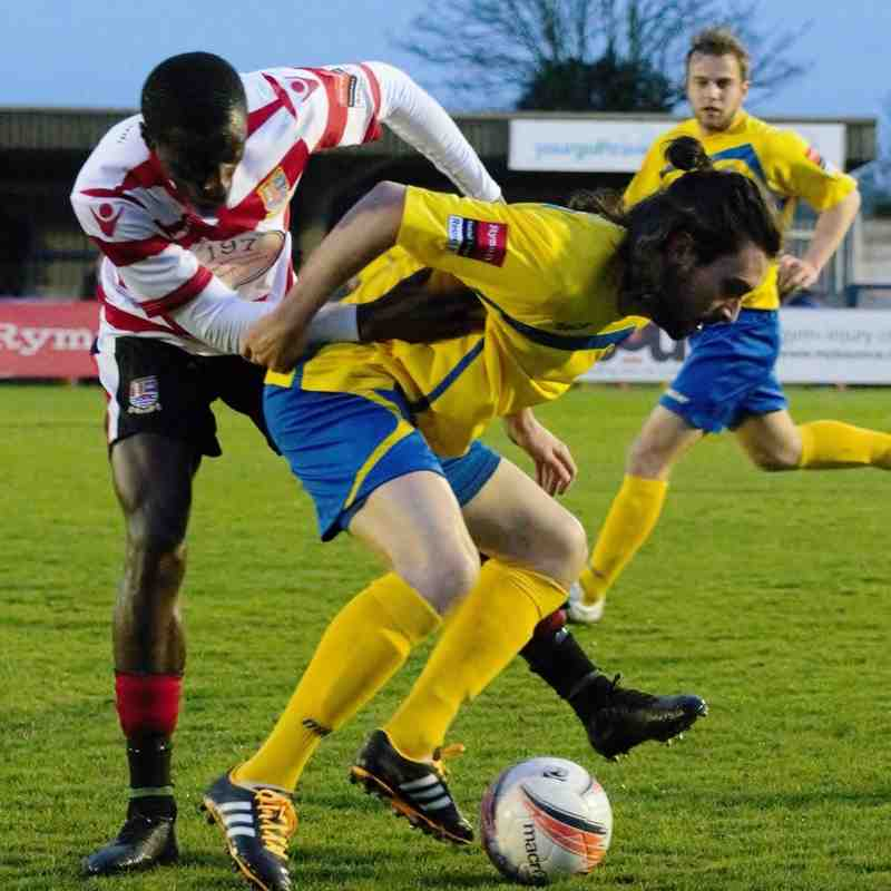 Kingstonian FC (1) vs (2) Farnborough. 11th April 2016.