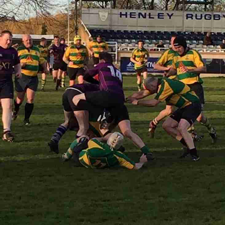 TONIGHT** Abingdon Vets take on Henley Vets - 19:30 kick off