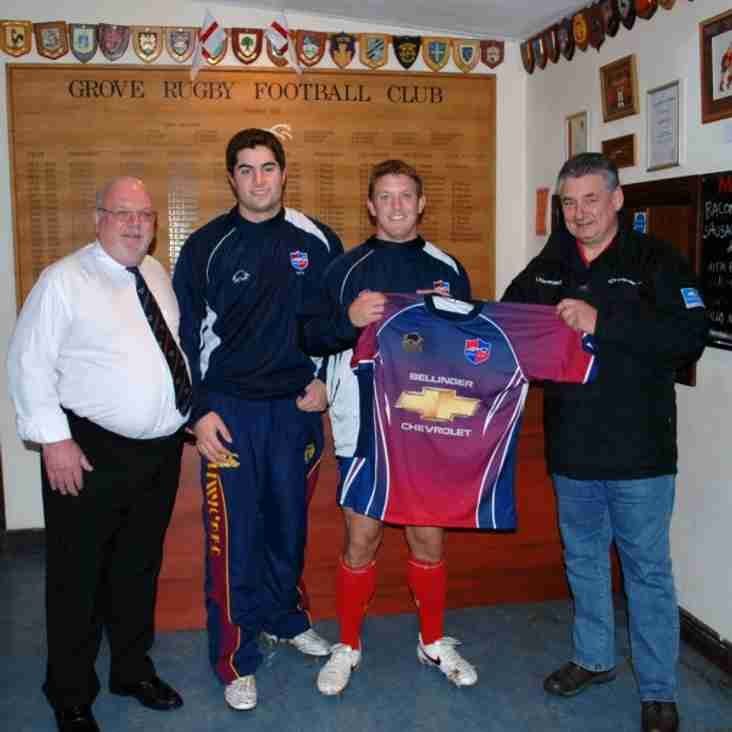 Grove 1st team presented with new kit by Bellingers