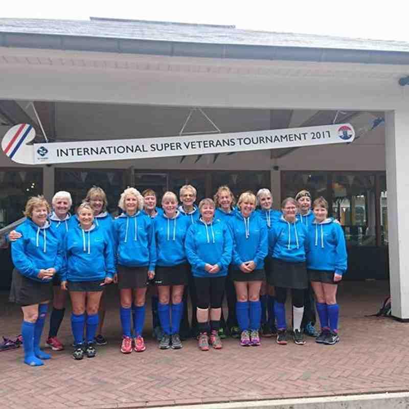 England LX v Holland
