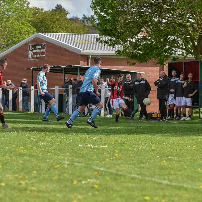 Burgess knocks the ball down the line - courtesy of David Rawlings
