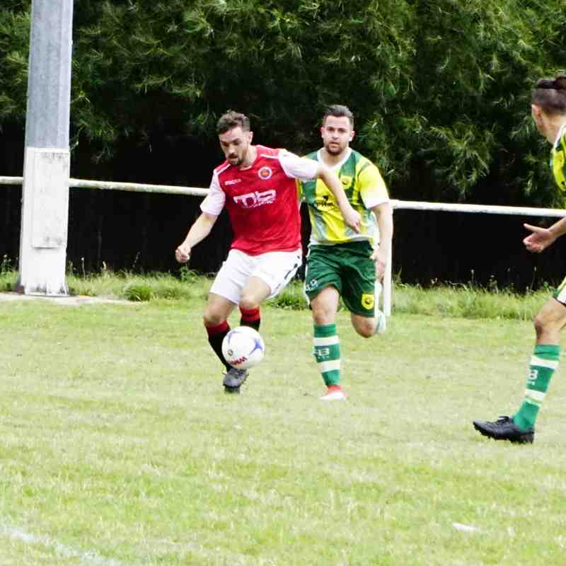 Bradley Burgess vs Gornal Athl (A) photo courtesy of Mathew Mason
