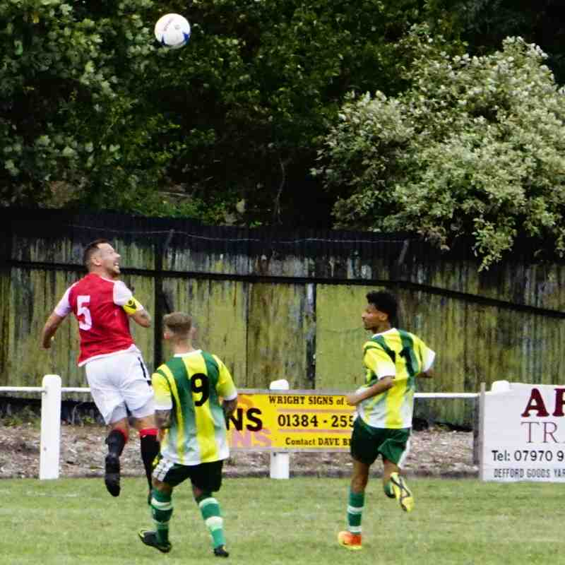Andy Crowther vs Gornal Athl (A) photo courtesy of Mathew Mason