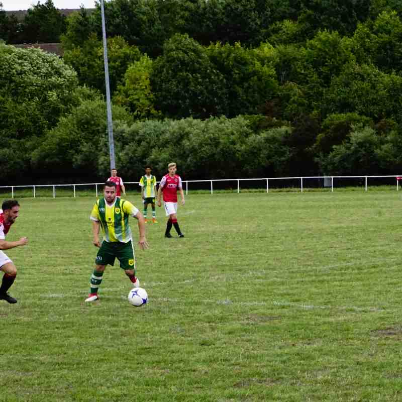 Brad Burgess vs Gornal Athl (A) photo courtesy of Mathew Mason