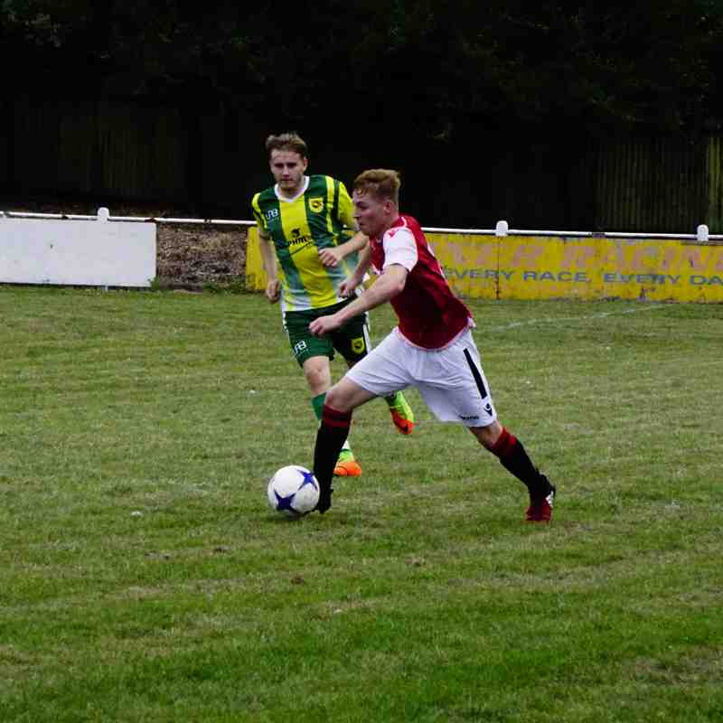 Haydn Morris vs Gornal Athl (A) photo courtesy of Mathew Mason