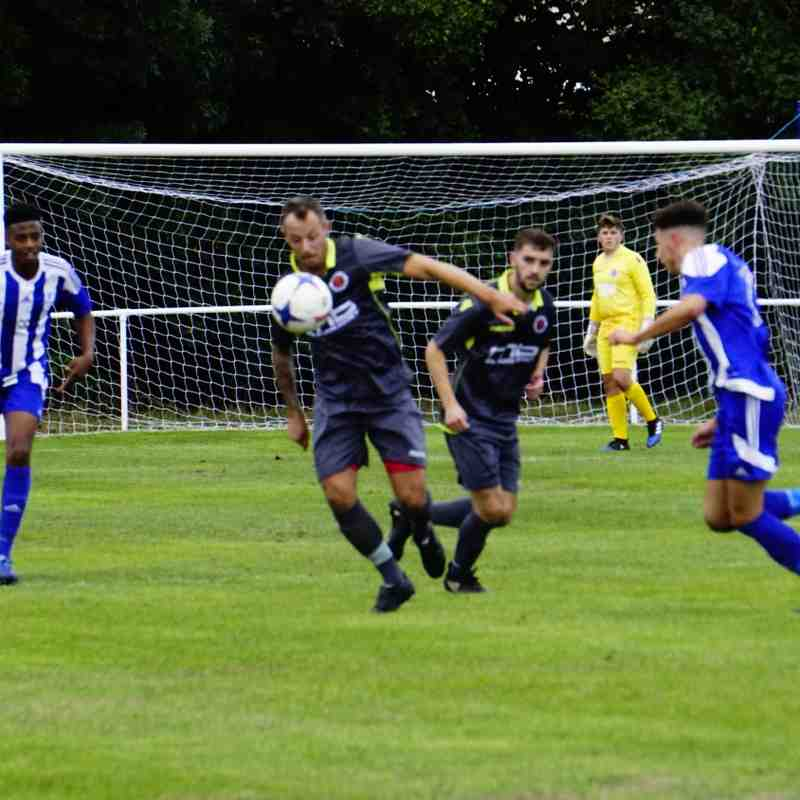 Andy Crowther vs Darlaston Town (A) courtesy of Mathew Mason