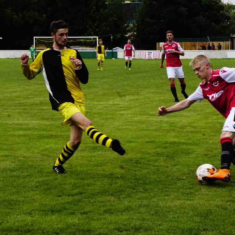 Ollie Thompson vs Old Wulfs (H) photo courtesy Mathew Mason