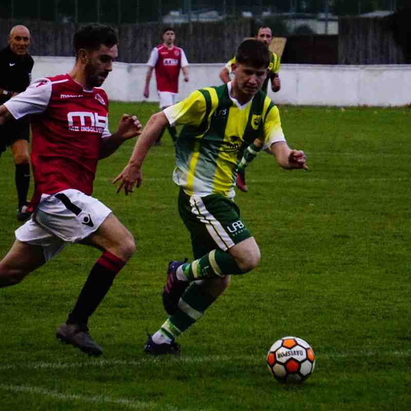 Brad Burgess vs Gornal Athletic (H) photo courtesy of Mathew Mason