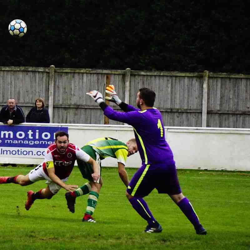 Mike Seeley vs Gornal Athletic (H) photo courtesy of Mathew Mason