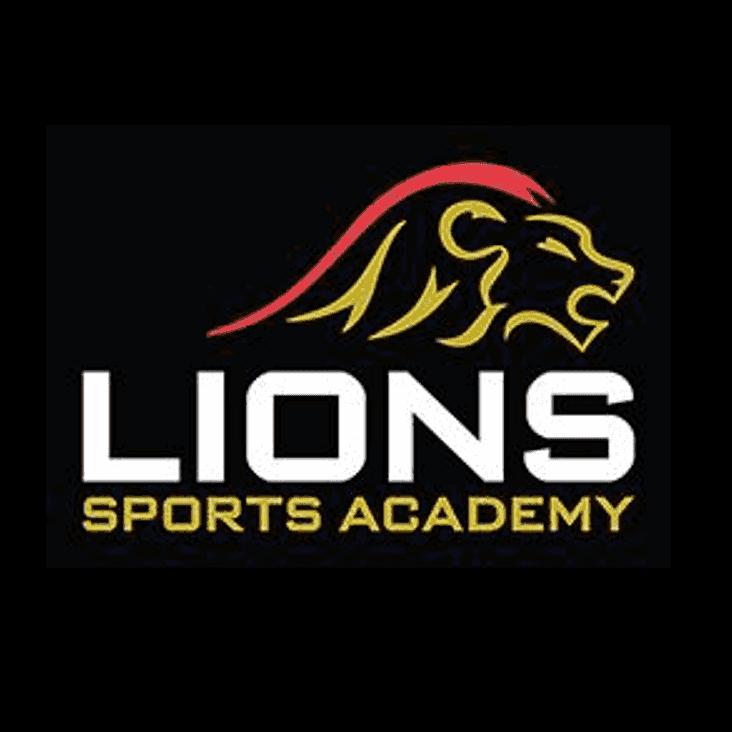 Lions Camp get set for the girls @ EGRFC