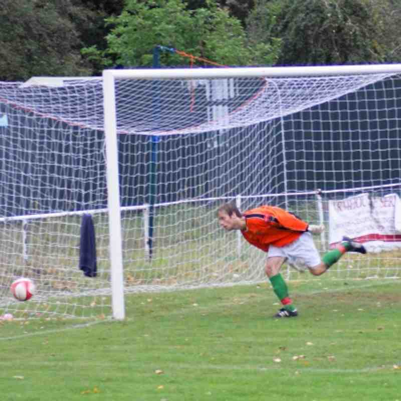 FA Trophy at Waltham Abbey 8/10/11-Bakers match.