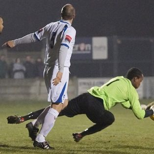 Bunce penalty wins 'Battle of Essex'