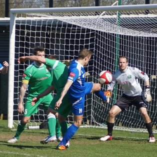 Grays break the Ryman North record with their 17th consecutive win following a 2-1 win at Thamesmead Town