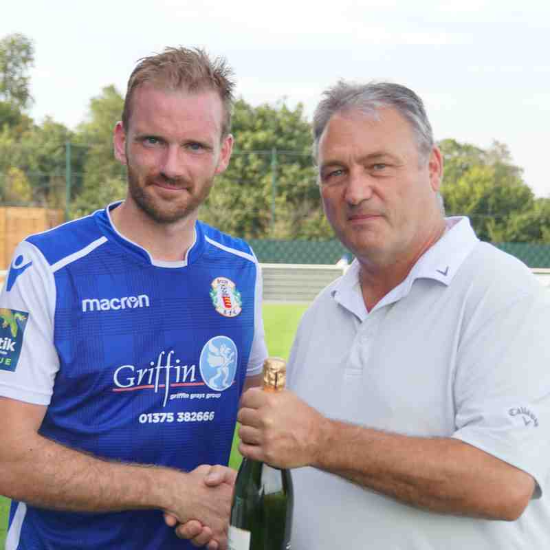 SPONSORS MOM V AVELEY-BARRY COGAN