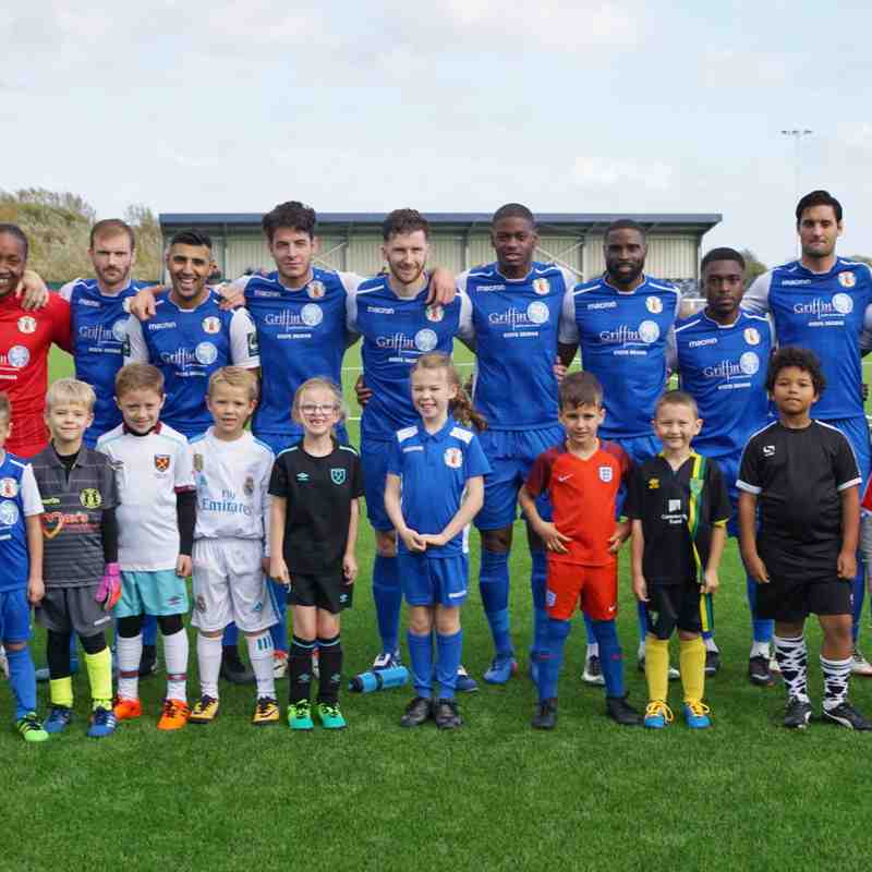 MASCOTS AT THE TILBURY GAME