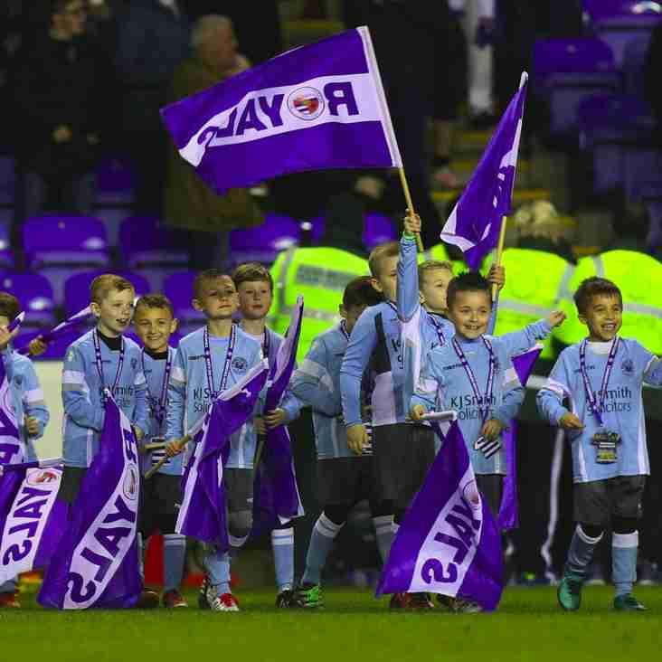 Woodley United FC U8's Flag Bearers