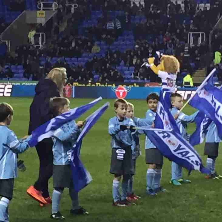 Woodley United FC U8's Flag Bearers