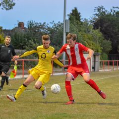 Photos : Easington Sports 2 Brackley Town Saints 2
