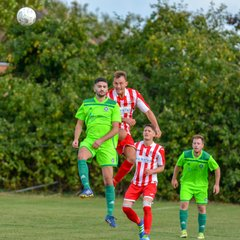 Photos : Easington Sports 1 Brimscombe & Thrupp 2